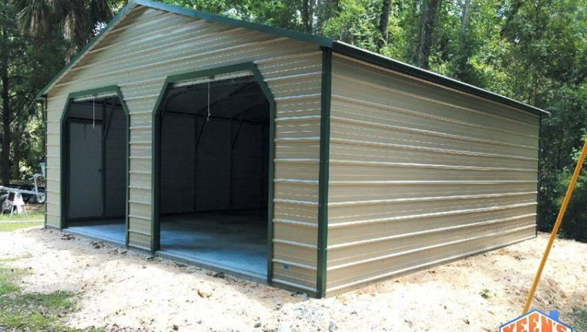 30X30X10 Garage with roll up door
