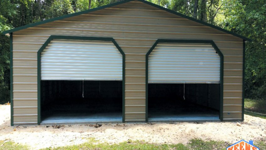 30X30X10 Garage with roll up door front